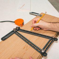 Fém négyoldalú vonalzó, szögmásoló - 31 x 18 cm 10999
